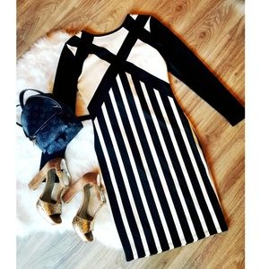 H&M Black and White Long-Sleeve Dress Size Small